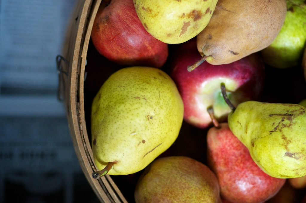 Apple Pear Sauce: Super simple, real food dessert with apples, pears and cider