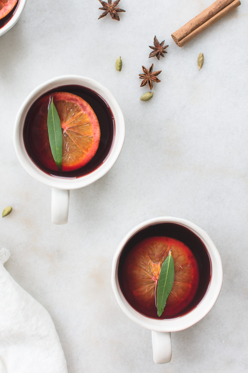 Mulled Wine Recipe with Honey, Oranges and Spices for Christmas Time