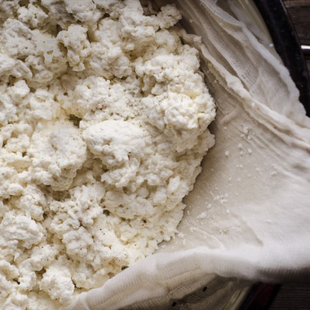 How to Make Simple Farm-style Cheese at Home