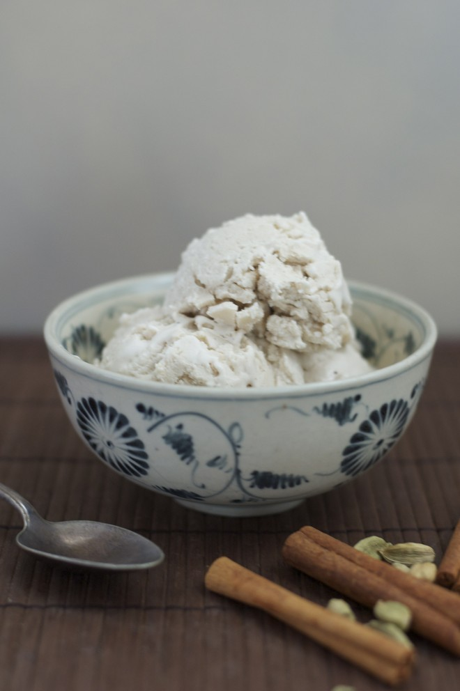 Chai Coconut ice cream with no sauce 2