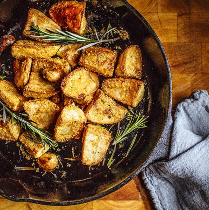 Crispy Rosemary Roast Potatoes