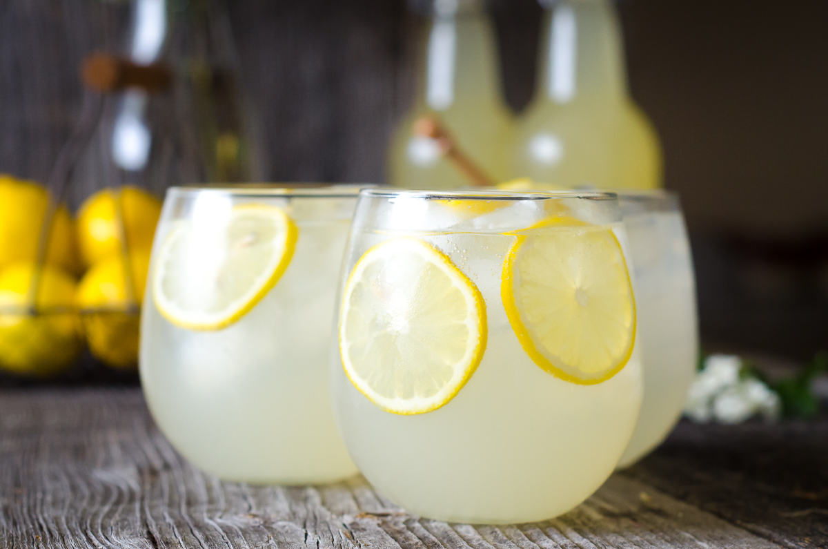 They say that all sorts of lemonades there only increase thirst. Tell me a refreshing drink recipe