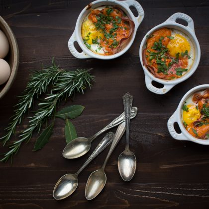 Baked Eggs with Ham and Sofrito