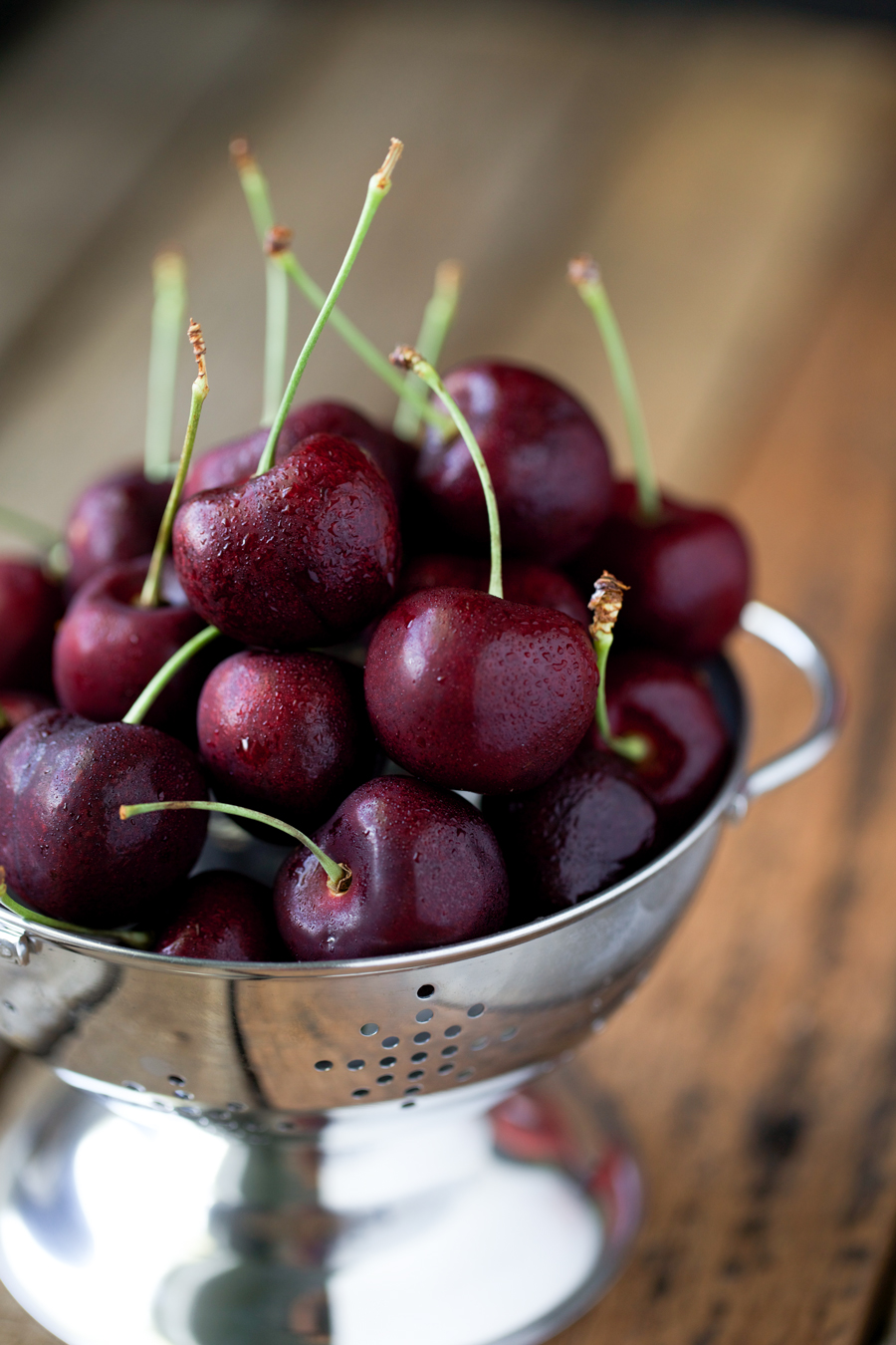 Sweet cherries for homemade cherry water kefir.