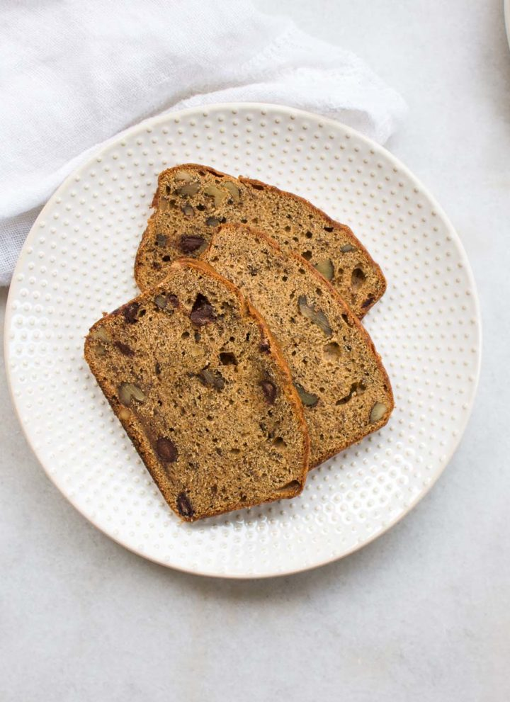 einkorn banana bread with walnuts and chocolate chops